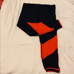 GAP navy and orange Capri leggings size M